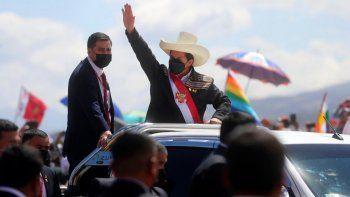 El presidente peruano Pedro Castillo llega a una ceremonia simbólica de juramento en el lugar de la Batalla de Ayacucho de 1824 que selló la independencia de España, como parte de los eventos del bicentenario en Ayacucho, Perú, el miércoles de julio de 29 de 2021, al día siguiente de asumir la presidencia.