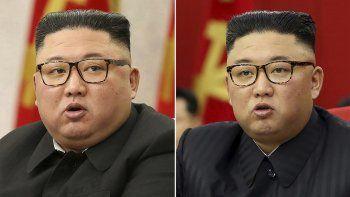 En esta combinación de imágenes proporcionadas por el gobierno norcoreano, el líder de Corea del norte, Kim Jong Un, en reuniones del Partido de los Trabajadores en Pyongyang, Corea del Norte, el 8 de febrero de 2021, a la izquierda, y el 15 de junio de 2021.