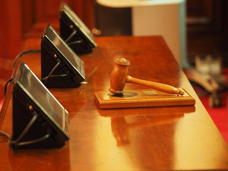 El arbitraje internacional fue iniciado en el año 2012 por el sr. García Armas y la sra. García Gruber invocando el Tratado Bilateral de Inversiones firmado entre Venezuela y el Reino de España en el año 1995.