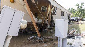 Esta fotografía del domingo 20 de junio de 2021 muestra una vivienda en la calle Hunter Creek Road que fue destruida el sábado por inundaciones, en Northport, Alabama.