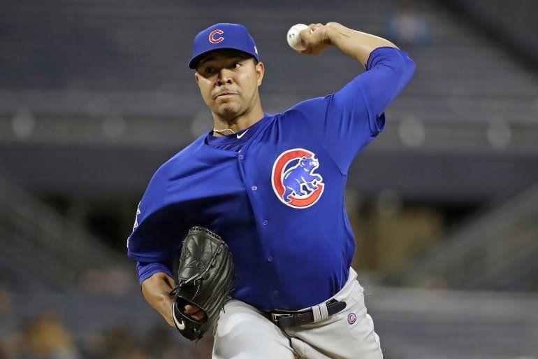 El jueves 2 de julio del 2020 Quintana se sometió a una cirugía para reparar un nervio del pulgar de la mano con la que lanza. El pitcher colombiano se cortó lavando los trastes.