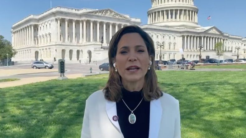 La congresista María Elvira Salazar responde a la televisión oficialista de Cuba y ratifica su compromiso de luchar por el programa de Reunificación Familiar