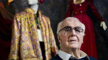 El 12 de marzo, el mundo de la moda lloró el fallecimiento de Hubert Givenchy, una leyenda de la alta costura para quien el vestido debe acomodarse al cuerpo de la mujer, no el cuerpo de la mujer a las formas del vestido.