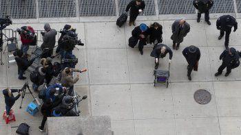 Harvey Weinstein es fotografiado por miembros de la prensa al llegar a la corte de Manhattan para su juicio por abuso sexual el jueves 20 de febrero de 2020 en Nueva York.