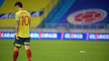 La Federación Colombiana de Fútbol, en un comunicado, indicó que James no se encuentra en condiciones óptimas para afrontar los juegos contra Perú y Argentina, por las eliminatorias ni para disputar la Copa América