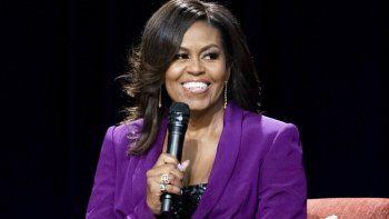 En esta fotografía de archivo del 11 de mayo de 2019 la ex primera dama Michelle Obama durante la conferencia Becoming: An Intimate Conversation with Michelle Obama en Atlanta.