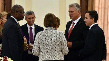 El designado gobernante cubano, Miguel Díaz-Canel (2 der.), se reunió con miembros del Congreso de Estados Unidos, en el marco de la 73 Asamblea General de la ONU, en Nueva York.