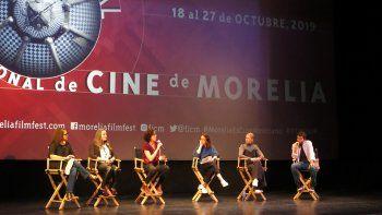 Cineastas en una conferencia de prensa sobre el corto documental El Día Después: Nosotras durante el Festival de Cine de Morelia en Morelia, México, el 20 de octubre de 2019.
