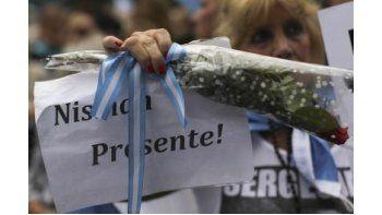 Nismandenunció el pasado 14 de enero a Fernández de Kirchnerpor un supuesto acuerdo geopolítico con Irán y a los cuatro días apareció muerto, con un disparo en la cabeza, en el baño de su departamento. Esto fuehoras antes de presentarse en el Congre