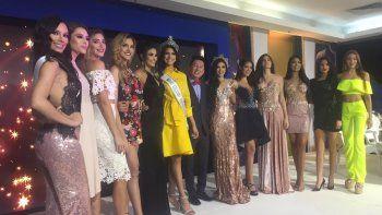 El presidente del concurso de belleza internacional, Nawat Itsaragrisil, en compañía de la actual reina del evento, la paraguaya Clara Sosa, y Valentina Figuera, quien representará a Venezuela en la cita.