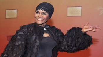 La actriz Cicely Tyson llega a la inauguración del estudio del director y productor Tyler Perry en Atlanta el 4 de octubre de 2008. Tyson, pionera entre las actrices negras galardonada con el Emmy y el Tony, falleció a los 96 años.
