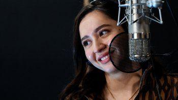 La cantante Manizha (Manizha Sangin), que representará a Rusia en el Festival de la Canción de Eurovisión 2021 en Rotterdam, ensaya en el estudio Lukashev en Moscú el 16 de marzo de 2021.