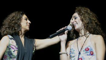 Las artistas interpretarán las mejores canciones de iconos y actores que han influido de alguna manera sus vidas, además de los éxitos de sus carreras artísticas, que interpretarán a dúo.