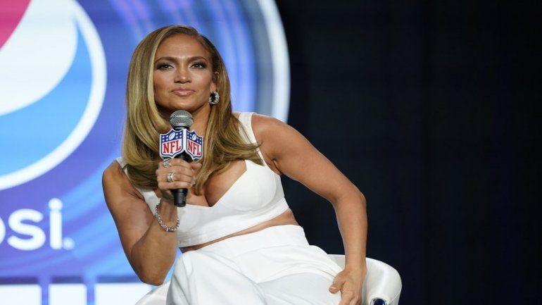 Jennifer Lopez responde a quienes la acusan de abusar del botox