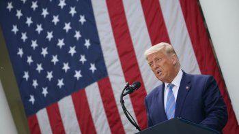 El presidente de los Estados Unidos, Donald Trump, habla sobre las pruebas rápidas de COVID-19 en el jardín de las Rosas de la Casa Blanca en Washington, DC el 28 de septiembre de 2020.