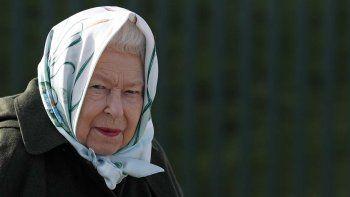 Para el cumpleaños de lareinaIsabel II es costumbre disparar salvas de cañón en Hyde Park, la Torre de Londres y el parque real de Windsor, pero la soberana decidió no hacerlo este año.