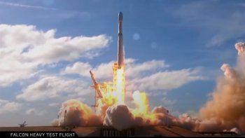 SpaceX hizo historia este sábado con el lanzamiento de la nave espacial Crew Dragon a las 3:22 de la tarde y abrió una nueva era de exploración espacial.