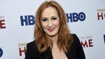 La escritora y fundadora de la Fundación Lumos, J.K. Rowling, asiste en diciembre al estreno del documental de HBO Finding the Way Home en Nueva York.