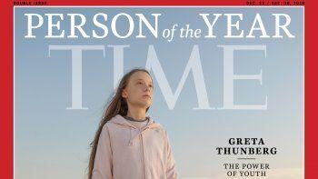 La foto distribuida por Time muestra a Greta Thunberg, la persona del año más joven de la revista, miércoles 11 de diciembre de 2019. El subtítulo debajo del nombre dice el poder de la juventud.