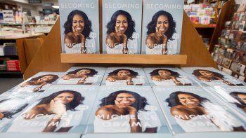 Obama, de 54 años, había publicado ya otros libros, entre ellos uno en 2009 sobre cómo manejaba su rol como primera dama (In Her Own Words) y otro en 2012 sobre la alimentación saludable.
