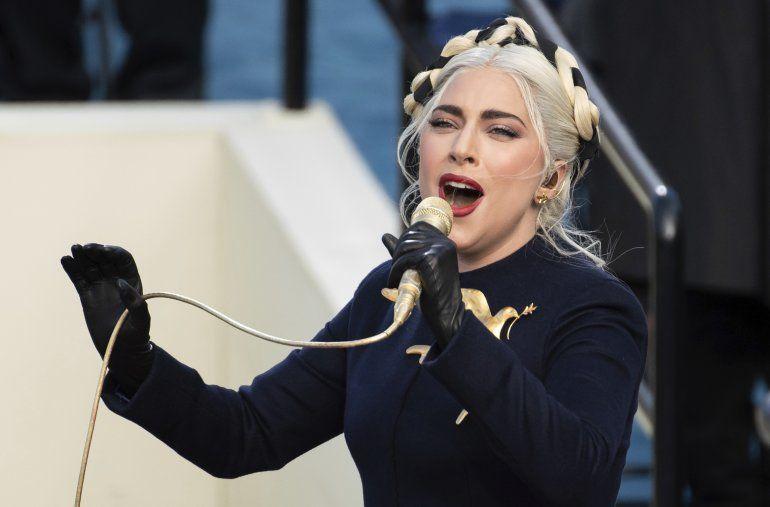Lady Gaga canta el himno nacional en la ceremonia de investidura del presidente Joe Biden