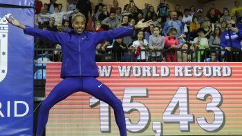 La marca de la ucraniana Inessa Kravets, que saltó 15.50 al aire libre en el mundial de 1995, es su próximo objetivo, y los Juegos Olímpicos de Tokio se presentan como el escenario ideal.