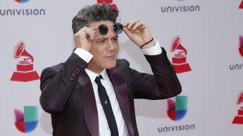 Alejandro Sanz llega a la 18 entrega anual de los Latin Grammy en Las Vegas el 16 de noviembre de 2017. Sanz retomará #LaGira en Estados Unidos en octubre de 2021.