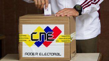 En diciembre de 2018 deberían celebrarse elecciones presidenciales en Venezuela, aunque el oficialismo podría adelantalas para aprovechar el impulso que obtuvo con la victoria en las regionales de octubre.