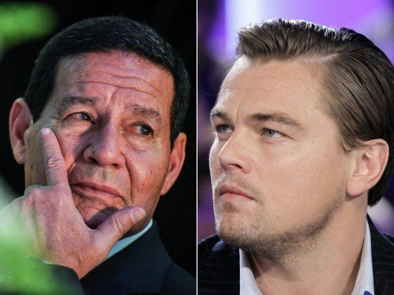 Combinación de imágenes creadas el 19 de agosto de 2020 muestra al entonces candidato a vicepresidente brasileño Hamilton Mourao (izq.) durante un mitin de campaña el 4 de octubre de 2018 en Sao Paulo