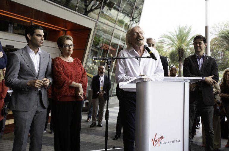 Fotografía cedida por Brightline donde aparece el presidente del grupo Virgin
