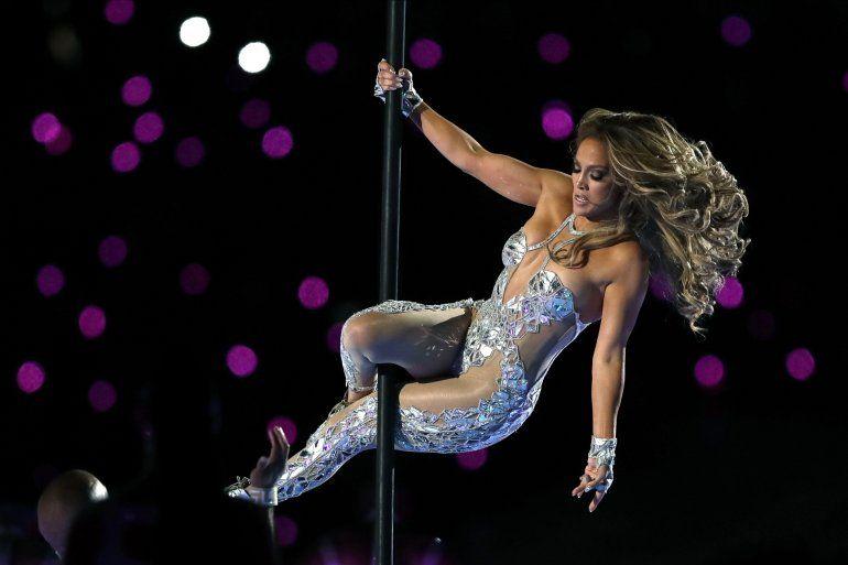Jennifer Lopez durante su presentación en el espectáculo de medio tiempo en del Super Bowl 54 de la NFL entre los Chiefs de Kansas City y los 49ers de San Francisco el domingo dos de febrero de 2020 en Miami Gardens