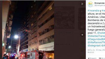 En un video difundido por la alcaldía de Buenos Aires, se observa al jugador colgando de la baranda de su habitación en el piso más alto, de la cual salía un denso humo. Luego con ayuda de una grúa, los bomberos pudieron rescatarlo.