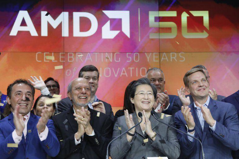 Lisa Su (segunda desde la derecha)