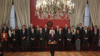 El presidente chileno Sebastián Piñera habla durante una ceremonia para presentar a nuevos miembros de su gabinete en el palacio de La Moneda en Santiago de Chile, el lunes 28 de octubre de 2019. El mandatario cambió a parte de su gabinete en respuesta a diversas protestas de prácticamente todos los sectores que demandan mejoras sociales.