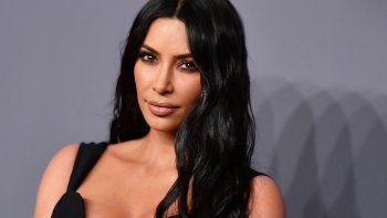 En esta foto de archivo tomada el 6 de febrero de 2019, la socialité Kim Kardashian llega para asistir a la Gala amfAR (Fundación para la Investigación sobre el Sida), en Nueva York.
