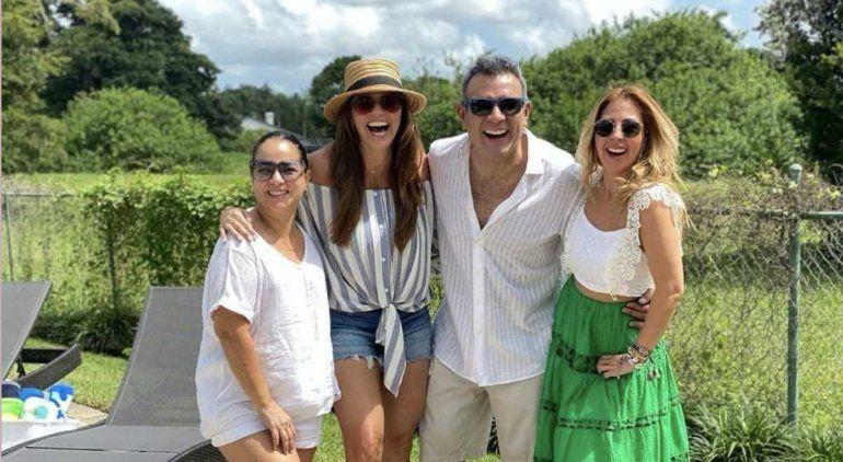 Héctor Sandartiy su esposa fueron celebrados por sus excolegas del magazineUn NuevoDíadeTelemundo