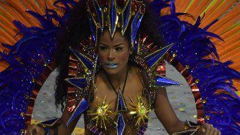 La vigente campeona, Mangueira, traerá el domingo uno de los desfiles más punzantes, cantando a un Jesús popular, con rostro negro, sangre de indígena y cuerpo de mujer que desató la indignación de grupos ultraconservadores cristianos.