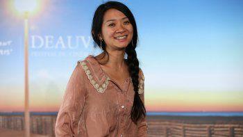 La cineasta china Chloé Zhao, ganadora del Golden Globe a la mejor directora por Nomadland, que también se alzó con el premio a la mejor película en la recién edición de la entrega de los Globos de Oro.