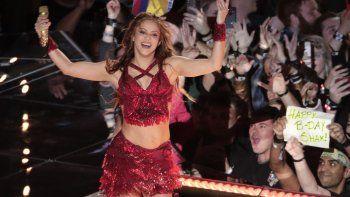 Shakira presenta al nuevo miembro de su familia