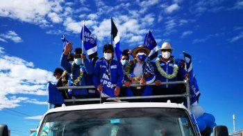Evo Morales ha tenido que salir a hacer campaña política para las elecciones de gobernadores y alcaldes del próximo 7 de marzo porque las encuestas revelan que su partido no es favorito.