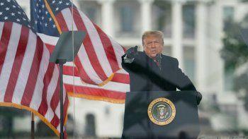 El presidente Donald Trump, habla durante una marcha de protesta por la certificación de la victoria electoral de Joe Biden en las elecciones presidenciales, el miércoles 6 de enero de 2021 en Washington, alegando que hubo fraude electoral.