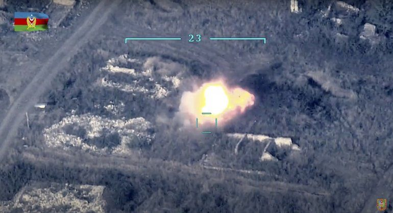 n. Fuerzas de Armenia y Azerbaiyán seguían combatiendo el lunes 28 de septiembre en torno a la región disputada de Nagorno-Karabakh
