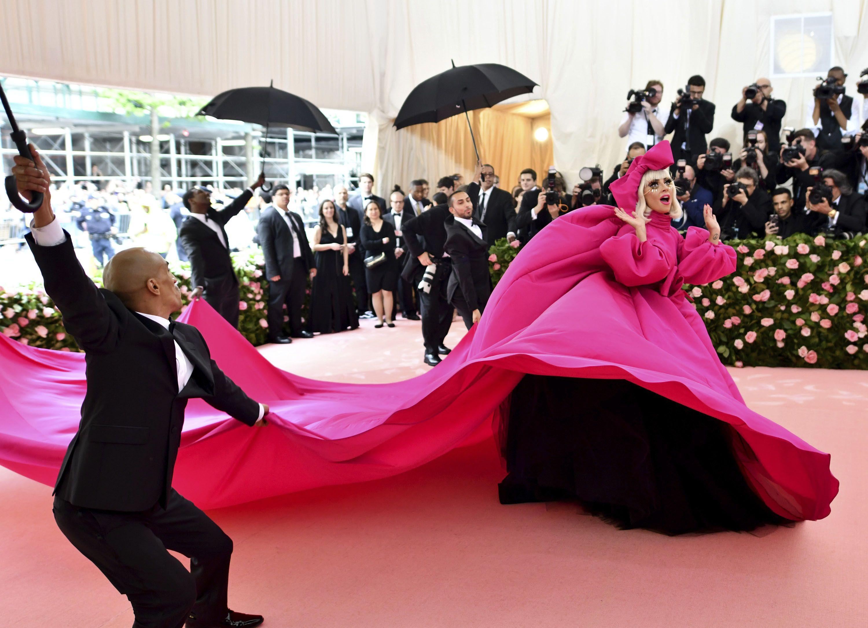 Lady Gaga asiste a la Gala del Metdel Instituto del Vestuario del Museo Metropolitano de Arte en Nueva York el 6 de mayo de 2019.