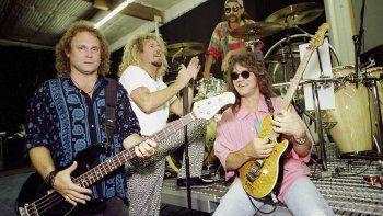 En esta foto del 17 de enero de 1993, los integrantes de Van Halen Michael Anthony, Sammy Hagar, Alex Van Halen y Eddie Van Halen, de izquierda a derecha, en Los Angeles.