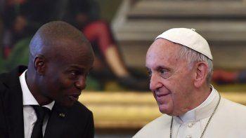 El presidente haitiano Jovenal Moïse se reúne con el papa Francisco el 26 de enero de 2018. El papa envió sus condolencias por el asesinato de Moïse, el 8 de julio de 2021.