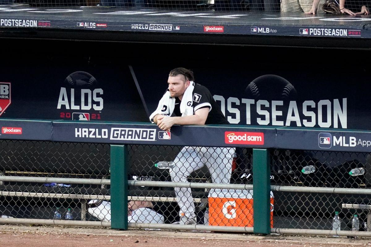 El relevista Liam Hendricks molesto por la eliminación de los Medias Blancas de Chicago ante Astros de Houston
