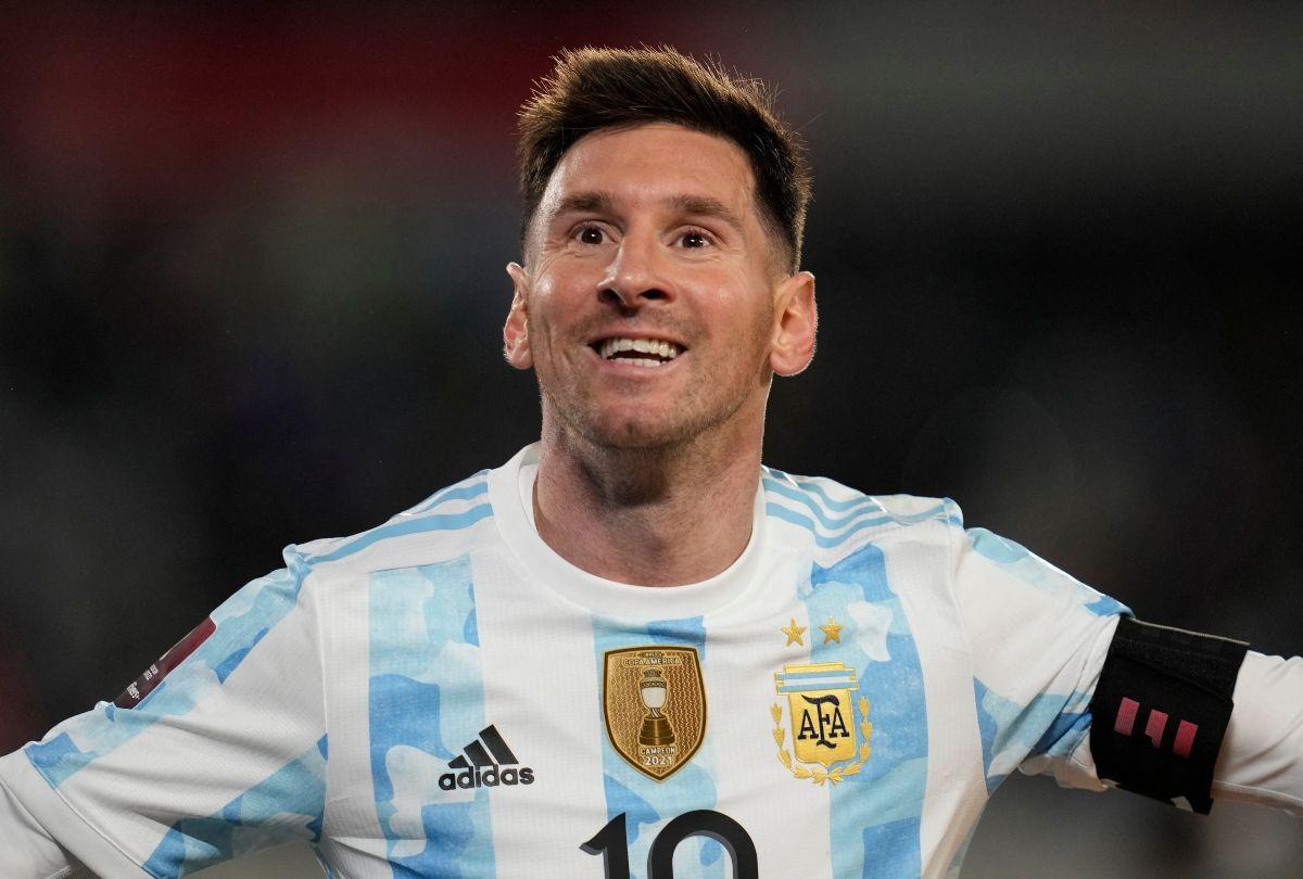 El argentino Lionel Messi anotó tres goles en el juego de eliminatoria contra Bolivia