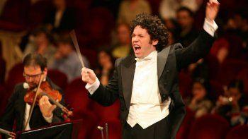 El maestro presentó así la programación estival del Hollywood Bowl, donde se situará al frente de la Filarmónica de Los Ángeles en recitales dedicados a Dvorak, Prokofiev, Rachmaninoff o Mahler.