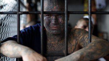 El Departamento de Justicia de Estados Unidos emitió este jueves un comunicado acusando formalmente de terrorismo a catorce altos líderes de la pandilla salvadoreña Mara Salvatrucha (MS-13)