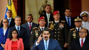 El dictador Nicolás Maduro junto a altos jefes militares durante una conferencia de prensa el pasado 12 de marzo. A la derecha Vladimir Padrino, otros de los más buscados por Estados Unidos por narcotráfico y terrorismo.